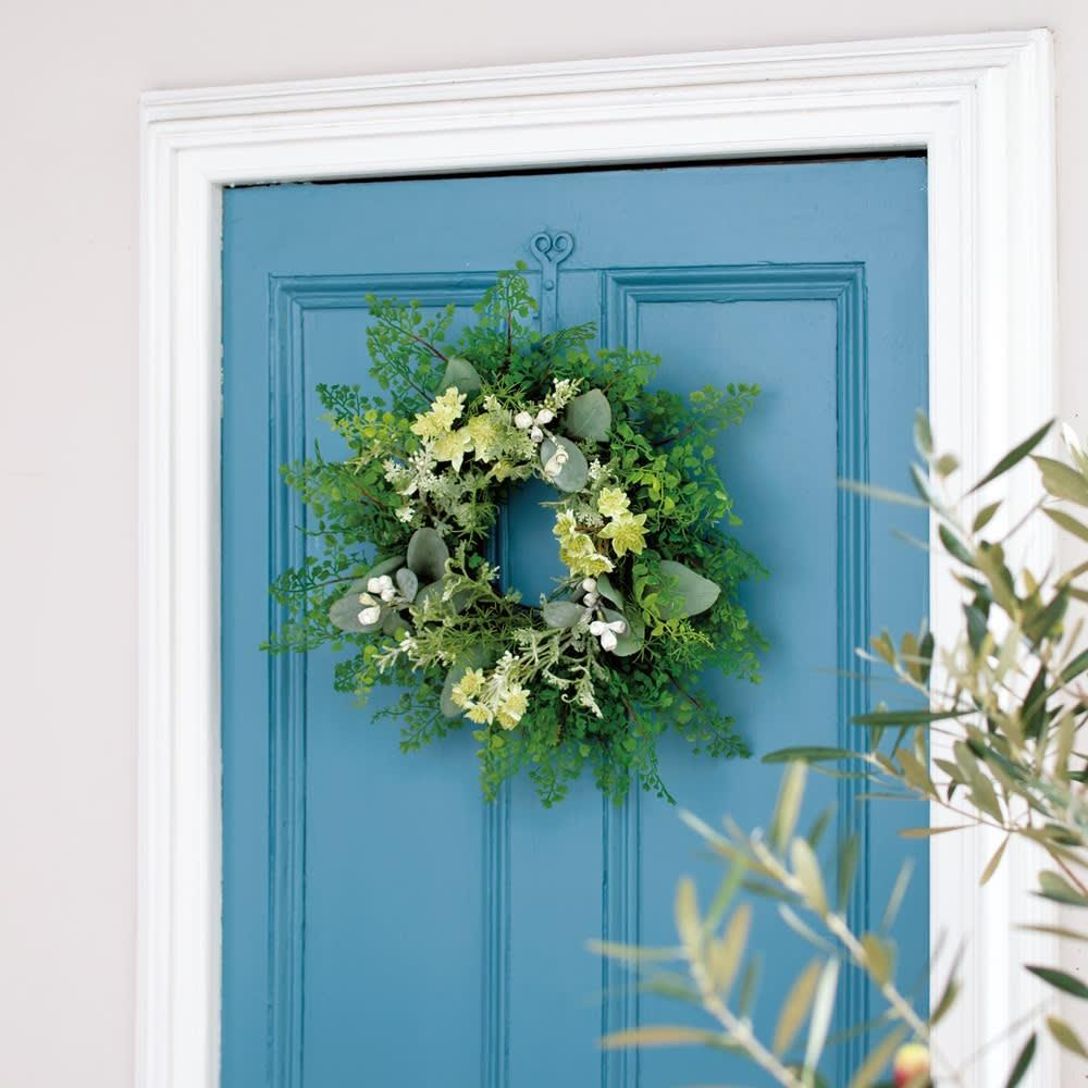 玄関におすすめ!インテリアグリーンのリース グリーンプランツ 玄関のドアに飾っても素敵。