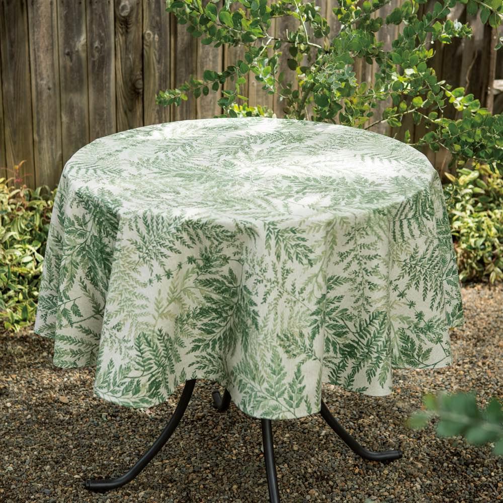 スペイン製テーブルクロス リーフ柄 地中海の陽光を受けて可憐に伸びやかに育った花と葉をデザイン。スペイン製テーブルクロスがガーデンの時間にひときわの彩りを添えます。
