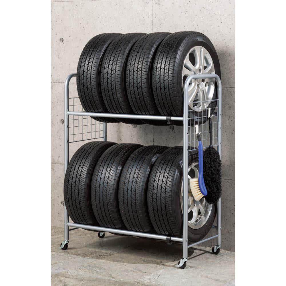 伸縮式タイヤラック カバー付き 使用イメージ(ア)シルバー ※お届けはカバー付きです。