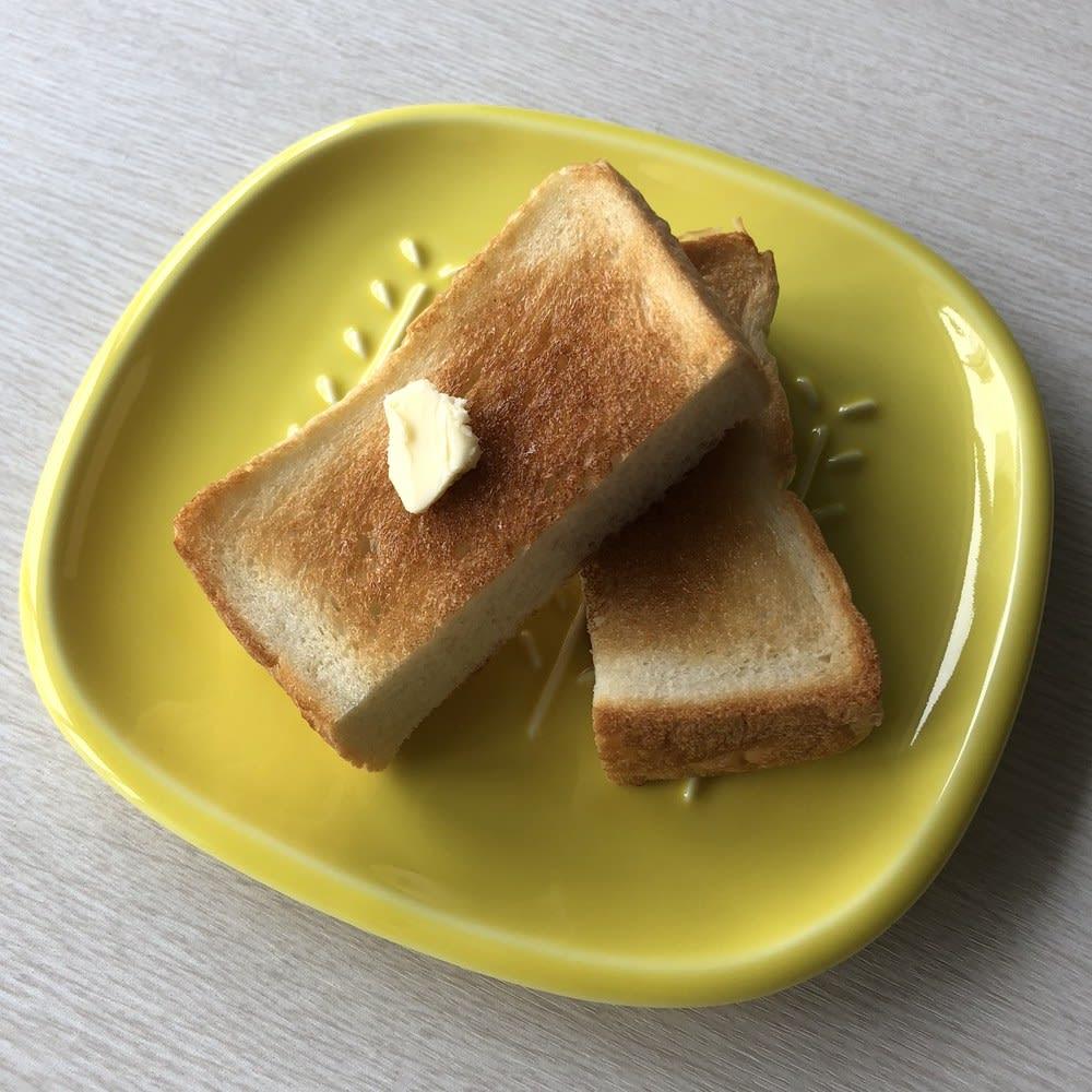 サクサクのパンを楽しめる! CRUST パン皿1枚 朝ご飯やおやつのお皿としても◎