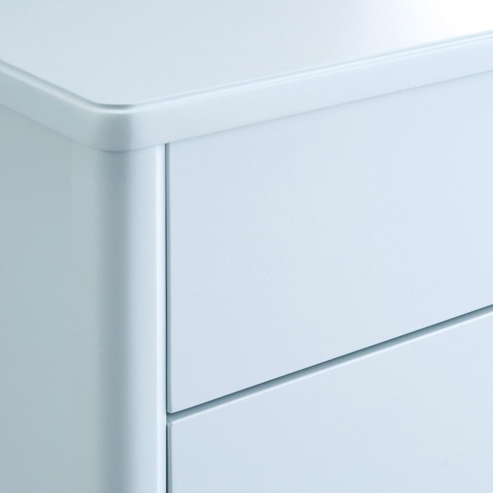 Grand Blue/グランブルー コンパクトシリーズ サイドテーブル幅50cm 爽やかで上品な印象のグレイッシュブルー。淡いブルーにわずかにグレーの塗料をプラスすることで、大人でも使いやすいシックな印象に。