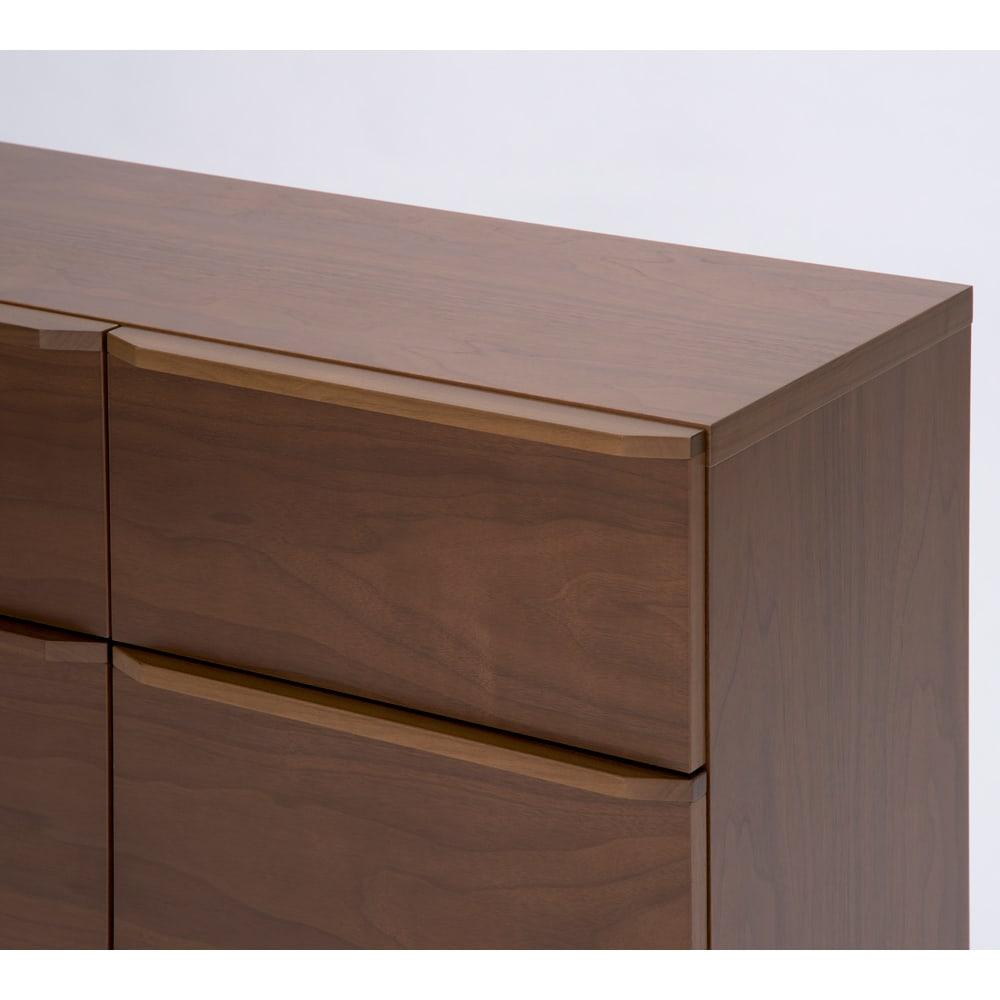 AV ソフト収納キャビネット ウォルナット 2枚扉 引き出し2杯 幅79.5cm 取っ手にはウォルナット天然木の無垢材を使用。