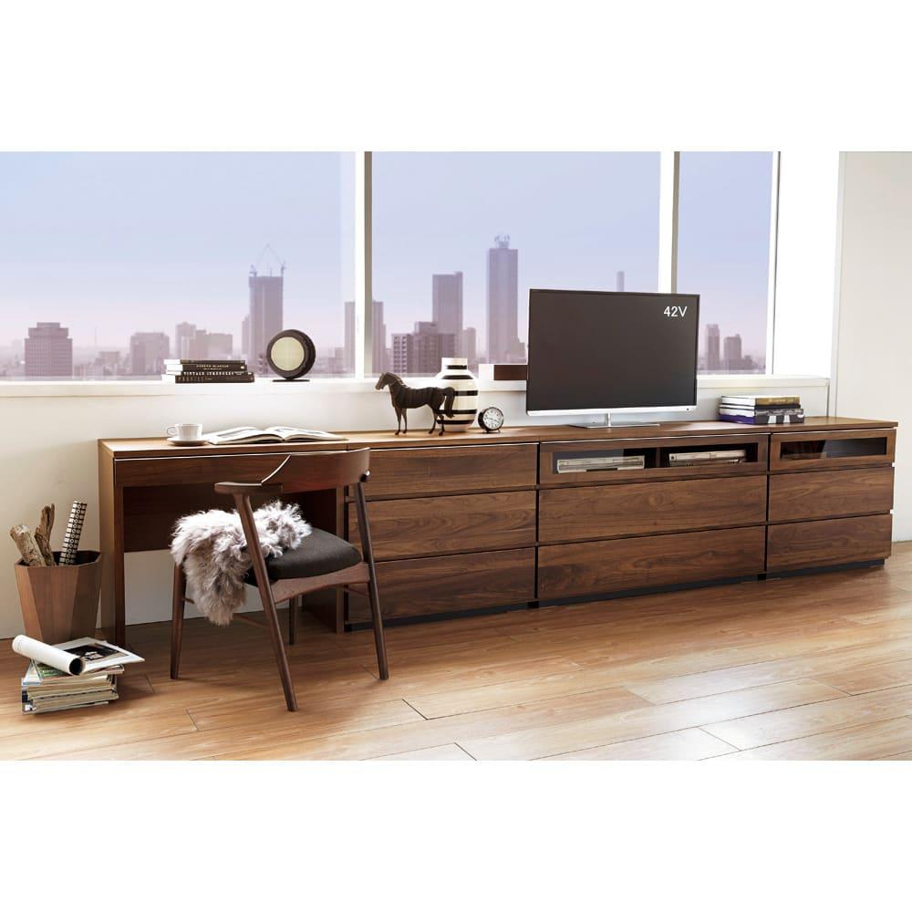 Nyhavn(ニューハウン) ウォルナットベッドサイド収納 ミドルAVチェストテレビボード 幅120奥行45高さ70cm コーディネート例。
