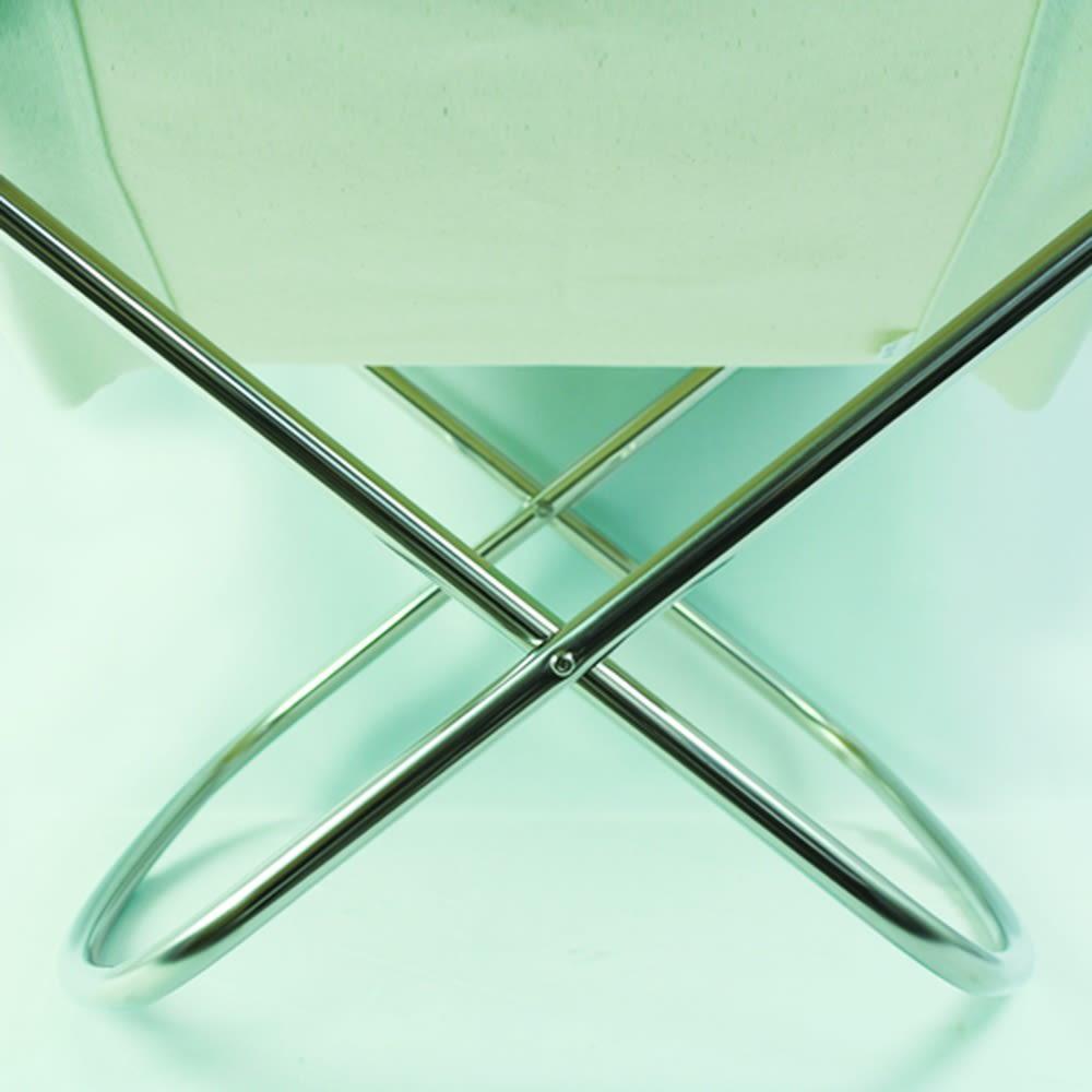 50周年限定 Nychair X ニーチェア エックス [Takeshi Nii/デザイン:新居猛] 脚部は硬質な輝きが美しいステンレス製。