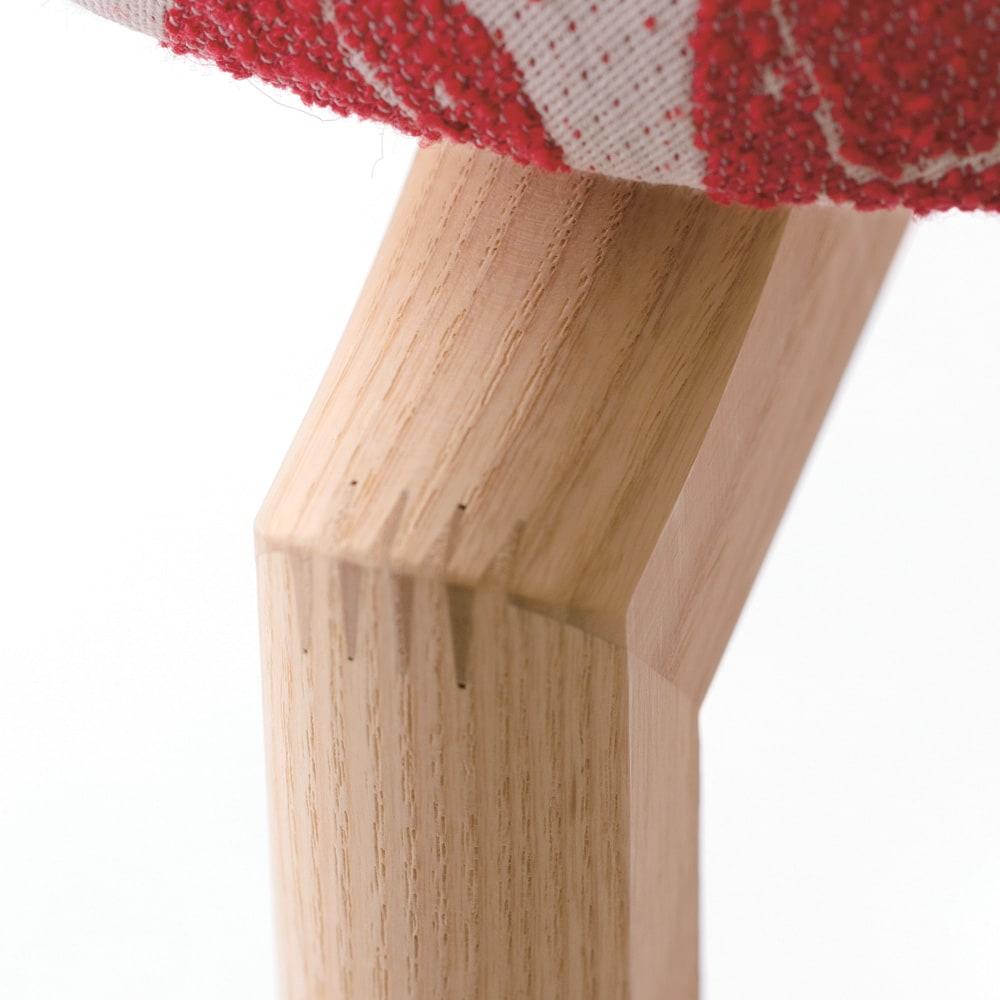 フィンレイソン マッシュルームスツール 高さ50cm 強度の高いフィンガージョイント加工で、耐久性に優れています。