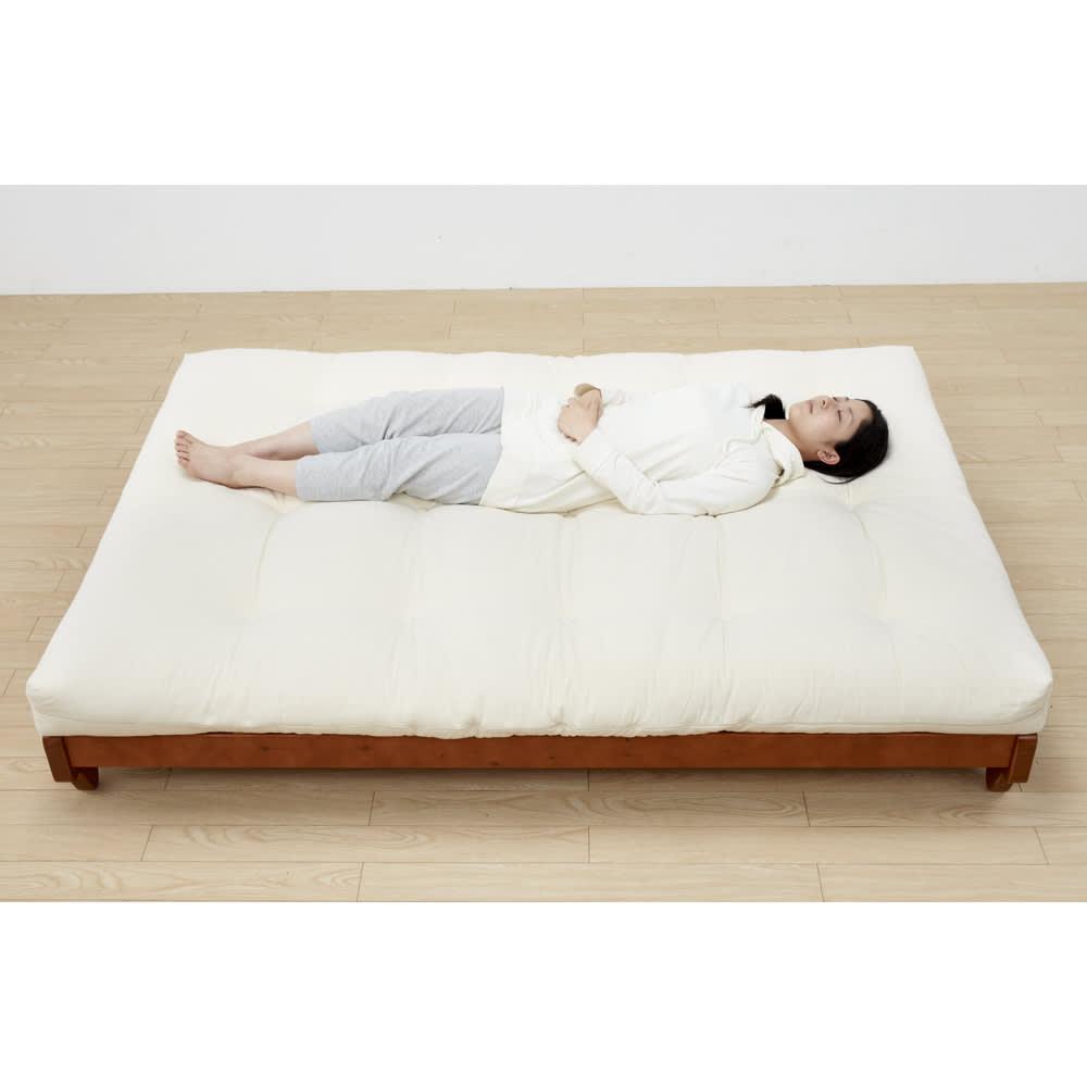 ヨーロッパ製ソファベッド Karup カーラップ ベッド時サイズ:幅200奥行142  ダブルベッドサイズのソファーベッドでゆったり寝られます。