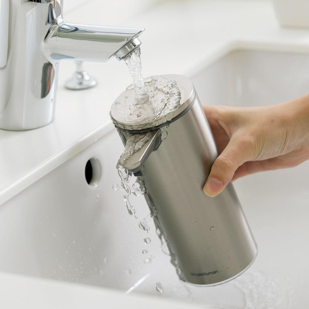 simplehuman シンプルヒューマン センサーソープディスペンサー 本体はまるごと水洗い可能。お手入れ簡単で衛生的。
