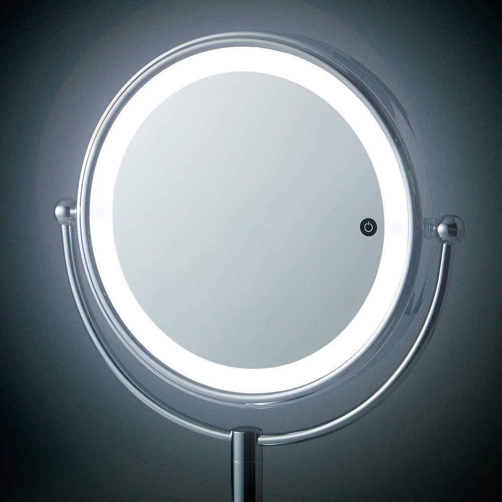 3色調光 LED照明付き 大型 拡大鏡 (ライト付き 卓上ミラー) LEDライト付きで仕上がりの美しさにも差がつきます。