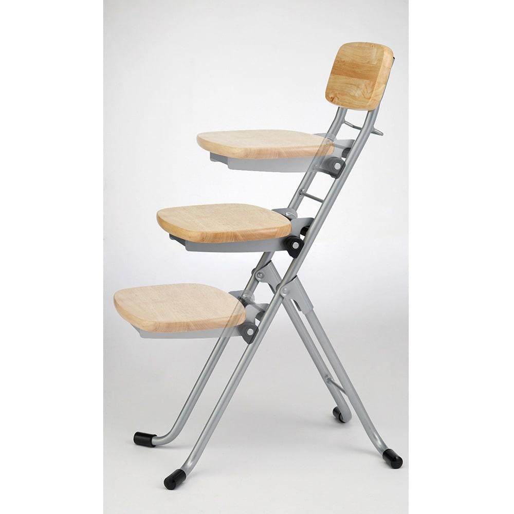 高さが変えられるサポートチェア 座面の高さは32~62cmまで6段階に変更可能。