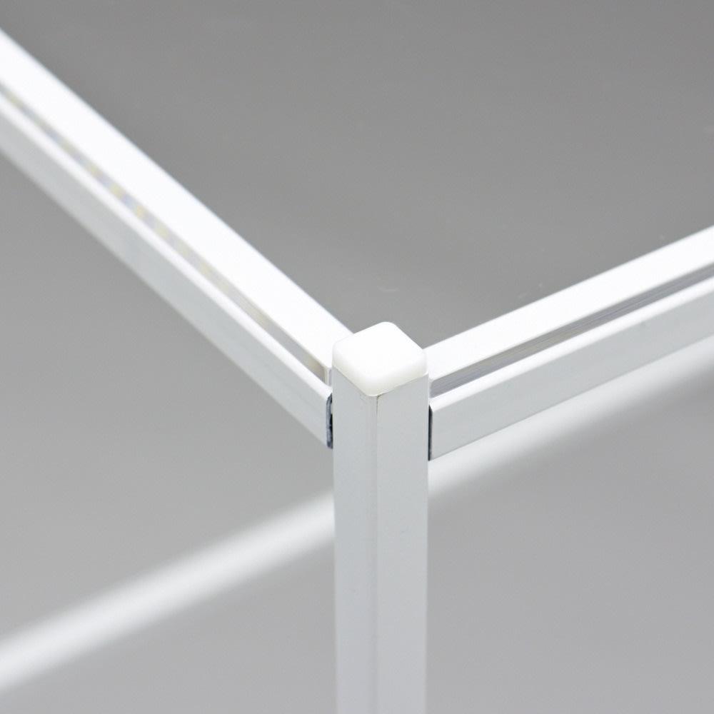 Ventol/ヴェントル スリムラック 幅30.5cm 角には安全の為のキャップが付いています。