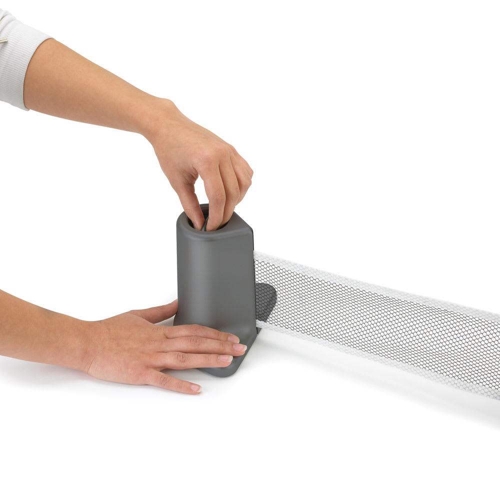 PONGO/ポンゴ ポータブル卓球セット・テーブルテニスセット [umbra・アンブラ] 広げるときは引っ張るだけ、収納するときは巻き取れるネット。テーブルサイズに合わせて調節できます。
