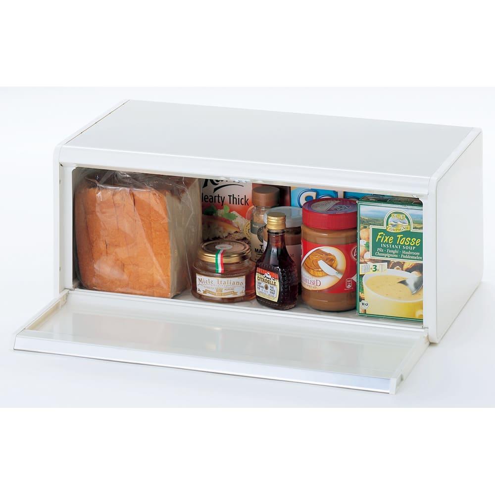 brabantia/ブラバンシア ブレッドビン ステンレス フタ開け時 パンやお菓子、スパイス類をすっきりしまえます。(写真はホワイトタイプです,H35503にて販売しています)