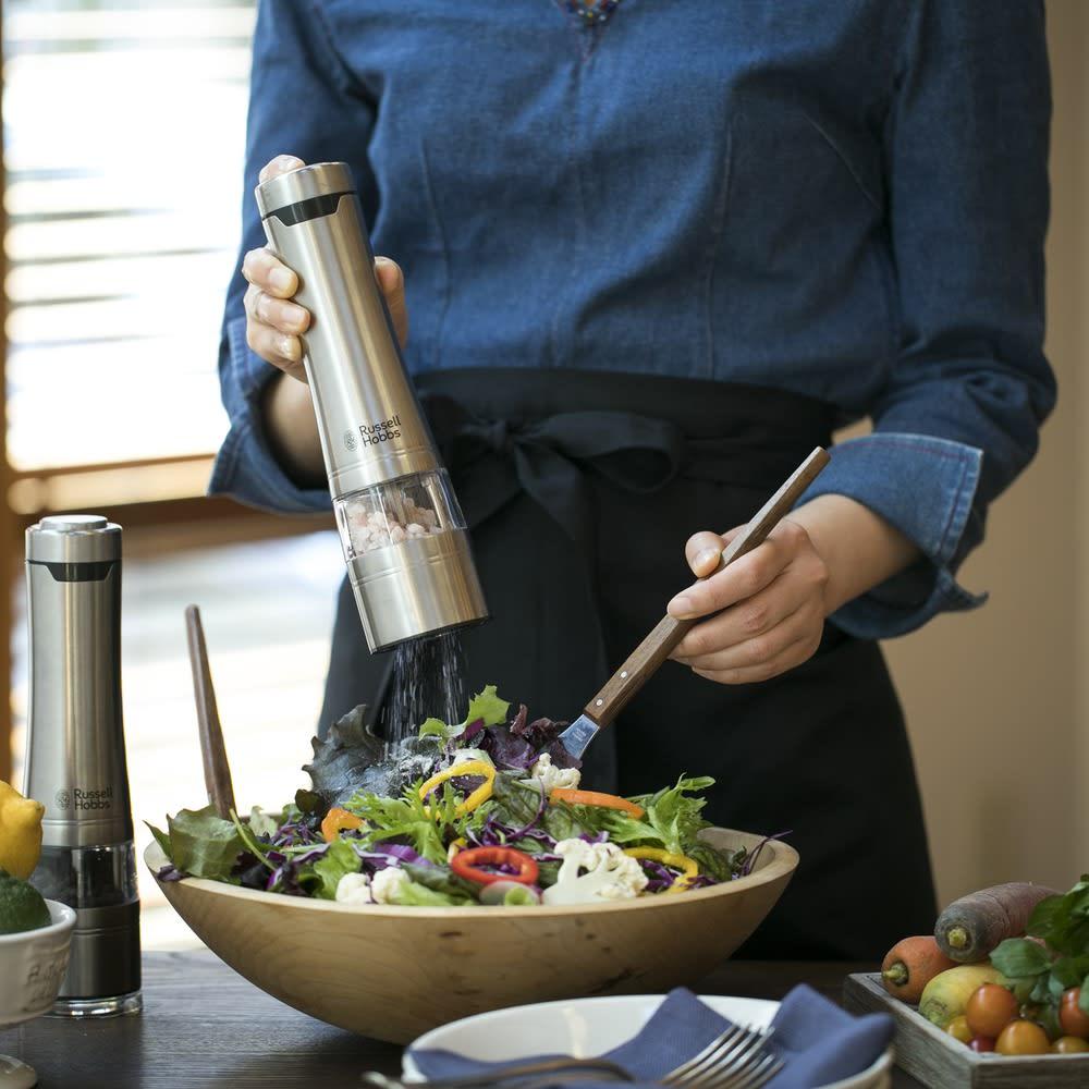 Russell Hobbs/ラッセルホブス 電動ミルソルト&ペッパー 電動なので調理中にも片手で。