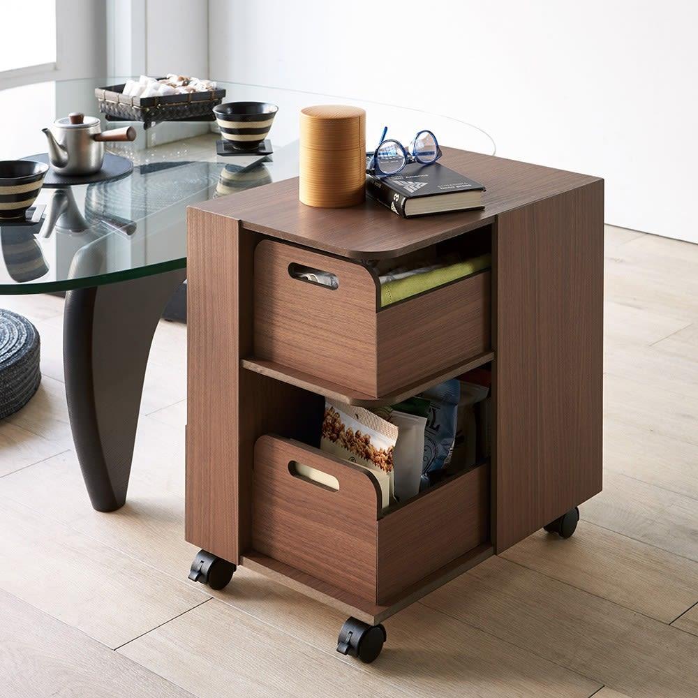 収納マルチワゴン 2段 キャスター付き 座卓やローテーブルにちょうどいい高さ設計です。
