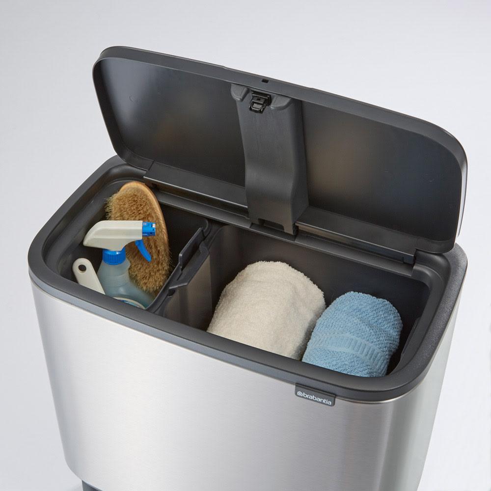 brabantia/ブラバンシア ダストボックス Boタッチビン ラグジュアリー 掃除用具などの日用品もおしゃれに目隠しできます。