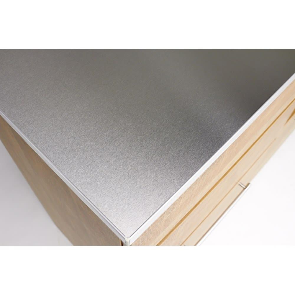 Cretty/クレッティ ステンレス天板 ナチュラルモダンキッチン収納 カウンター幅80cm 天板は水に強いステンレス製なので調理台としても活躍。
