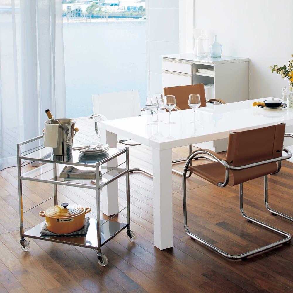 ステンレス製キッチンワゴン 幅43.5cm 中段の棚板はアクリルの透明板