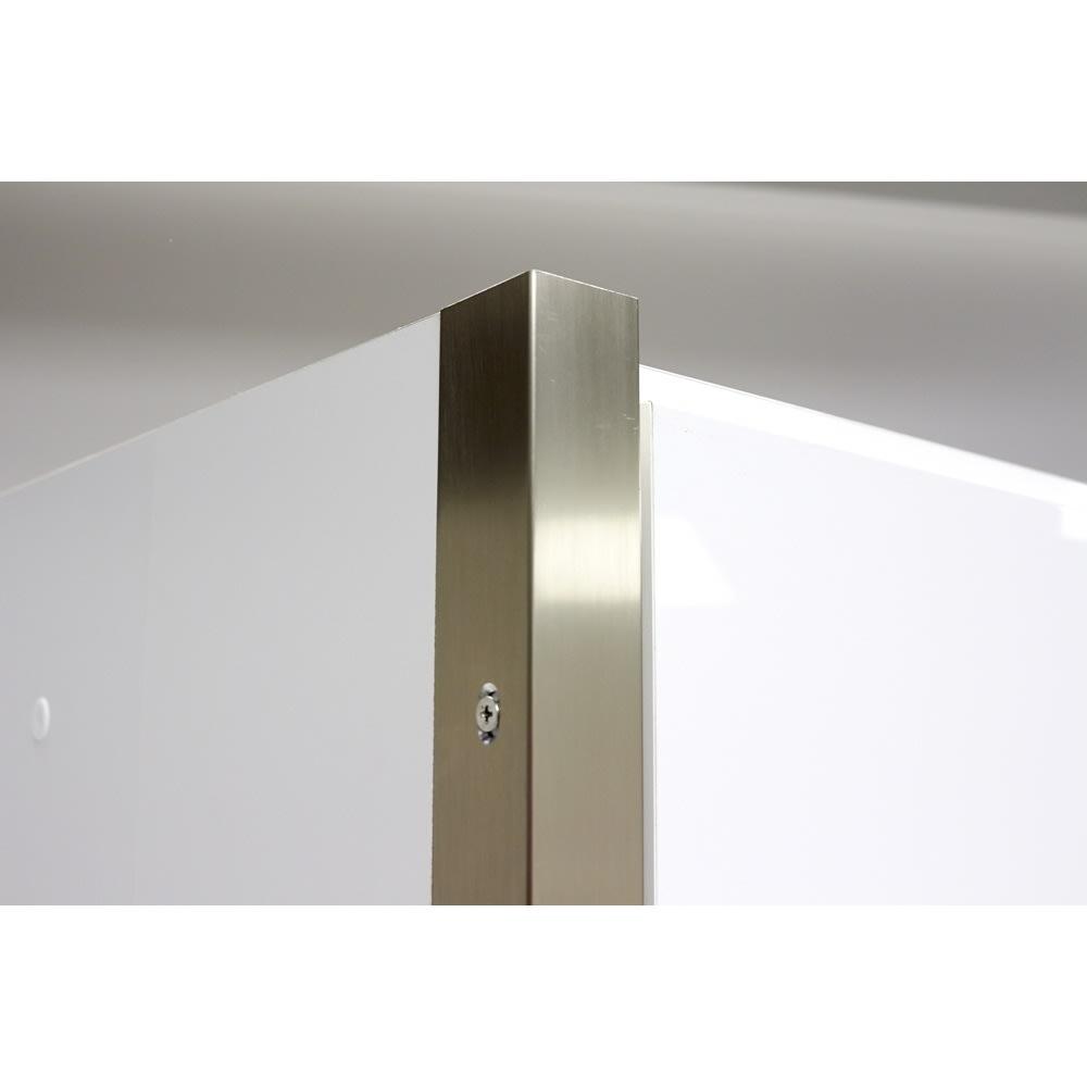 AQUA/アクア ダストダイニングボード・キッチンボード 幅127cm サイドにきらりと輝くシルバーのラインがすっきりとしたフォルムをさらに引き立て、モダンなキッチンインテリアを演出してくれます