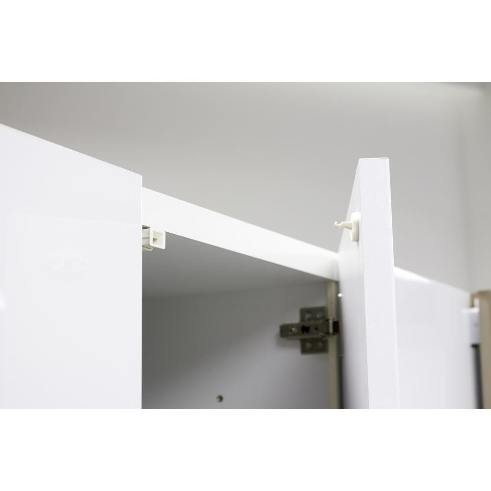 AQUA/アクア ダストダイニングボード・キッチンボード 幅127cm 扉には耐震補助ラッチ付きでもしもの時の収納物の飛び出しを軽減します。