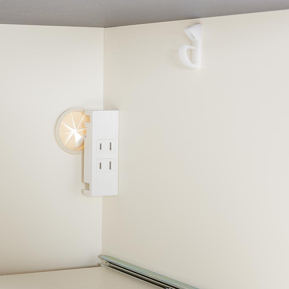 Boulder/ボルダー 石目調天板キッチンシリーズ カウンター 幅140cm 奥行50cm 右側下段のスライドテーブル家電収納部にもコンセント2口(計1500W)を付属しました。