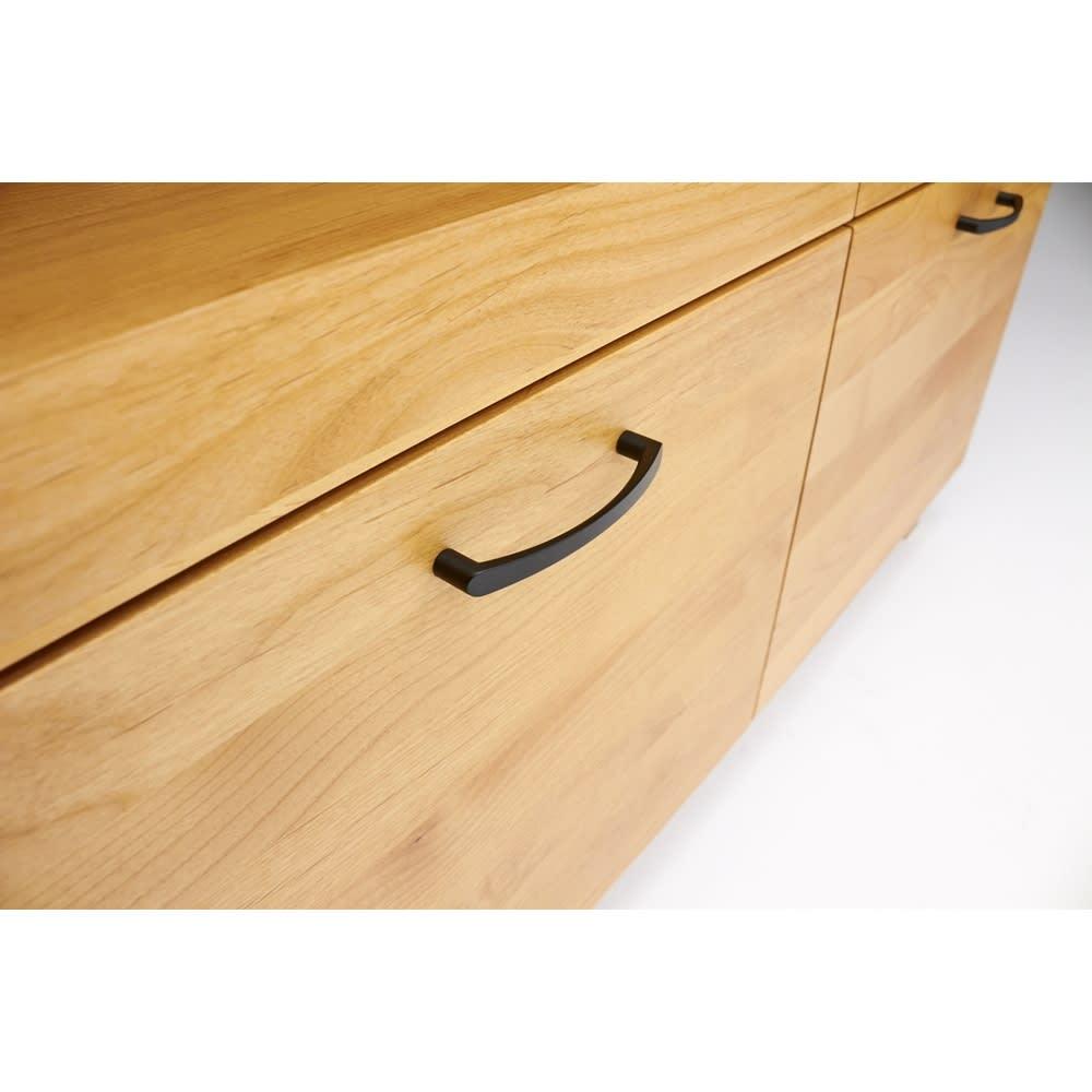 Pippi/ピッピ アルダー材コンパクトキッチン キッチンボード 幅100.5cm 引き出しにも取っ手をつけ、つかみやすく機能性にもこだわりました。