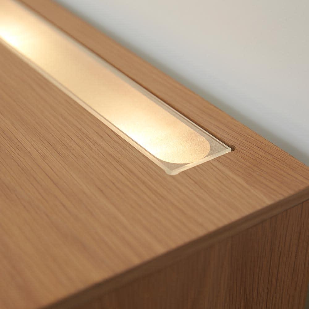 Glint/グリント LED照明付きテレビ台 幅240cm LEDは間接照明となり、空間を広く見せてくれます。