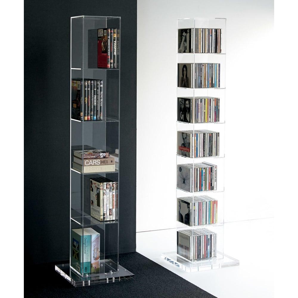 クリアーアクリルシリーズ DVDタワー収納 DVD約55枚収納。シリーズのアクリルDVDラックとのコーディネート例。