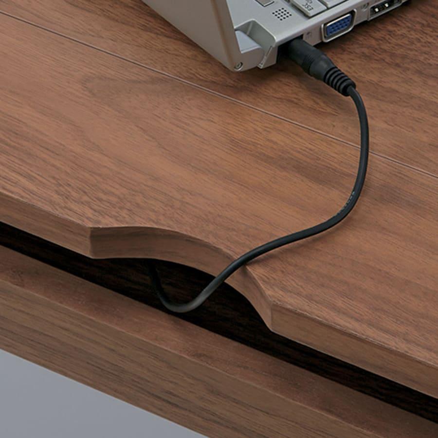 Glan Plus/グラン プラス デスクシリーズ デスク 幅90cm デスク天板奥のコード穴から、すっきりと配線できます。