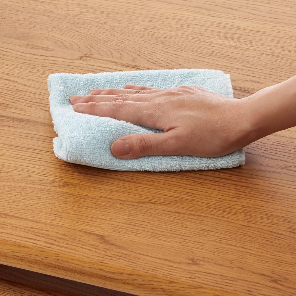 a tempo/アテンポ オーク天然木 リビングテーブル・センターテーブル 幅100cm 水や汚れに強いウレタン塗装で、木製ながらお手入れ簡単。