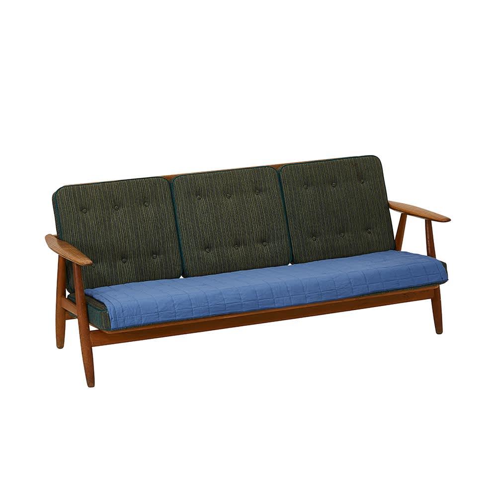 pasima(R) UKIHA/パシーマ ウキハ ソファカバー 1人掛け用は大きいソファの座面だけにかけてもすっきりお使いいただけます。