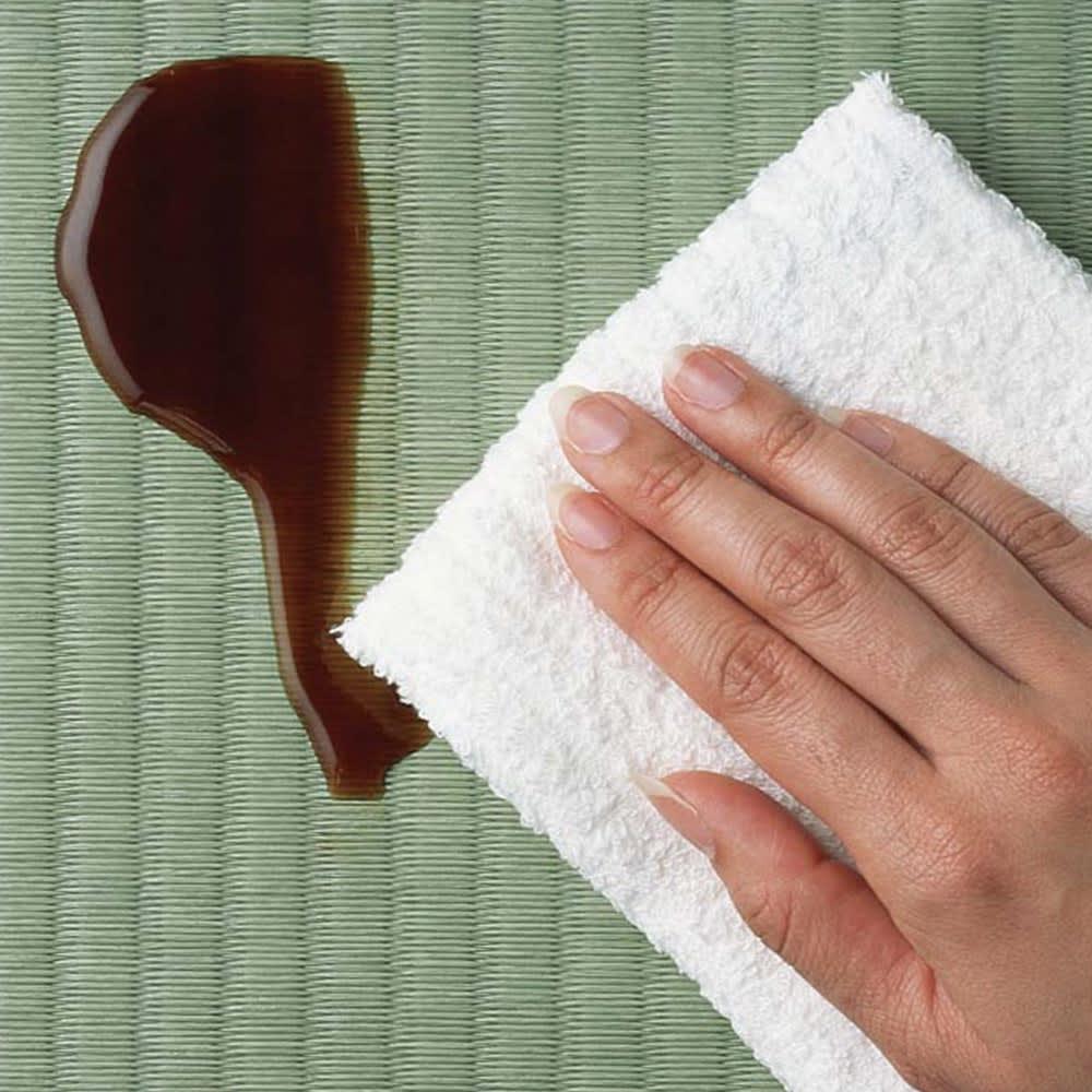 「美草」畳ガス圧収納ベッド ヘッドレスタイプ セミダブル いつも清潔 水・汚れに強い素材で、水拭きできるからお掃除が簡単です。※畳の色は異なります