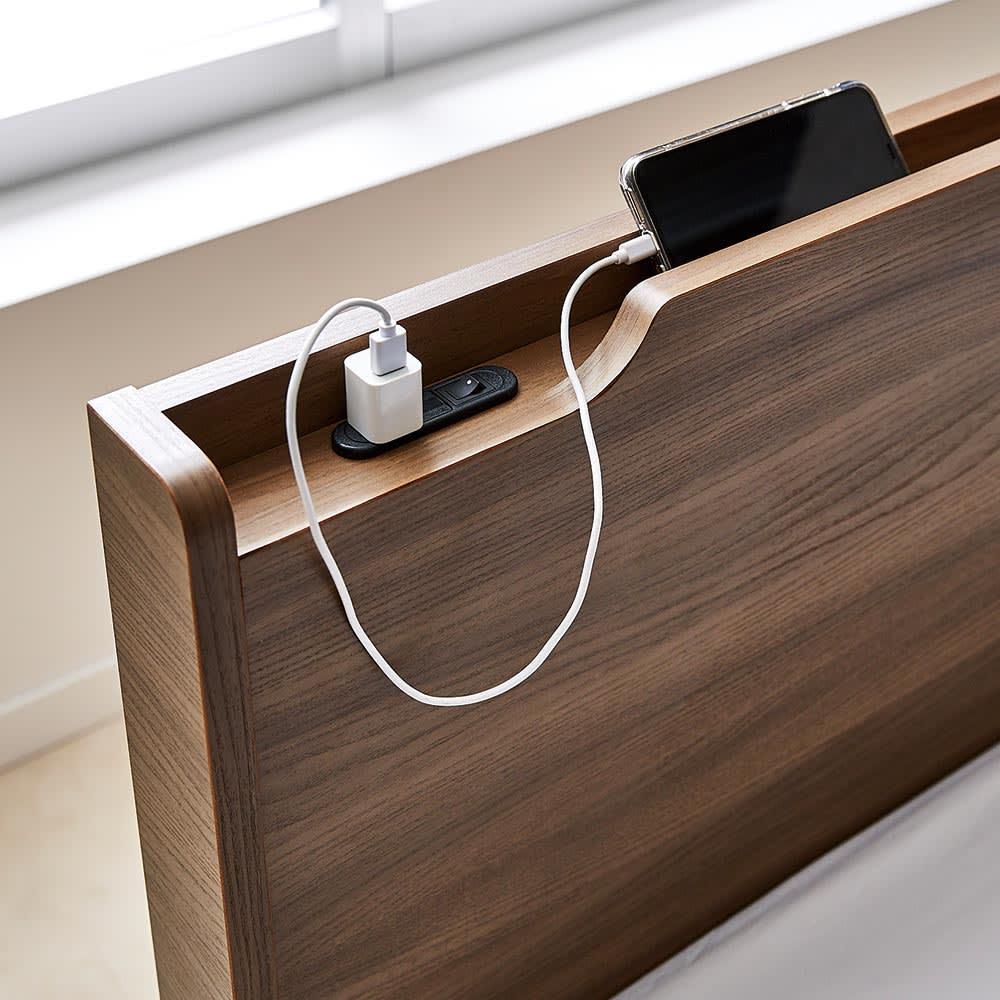 Pahkina/パーキナ 収納ベッド マジェスタ スマホ充電などに重宝するコンセント1口付き。