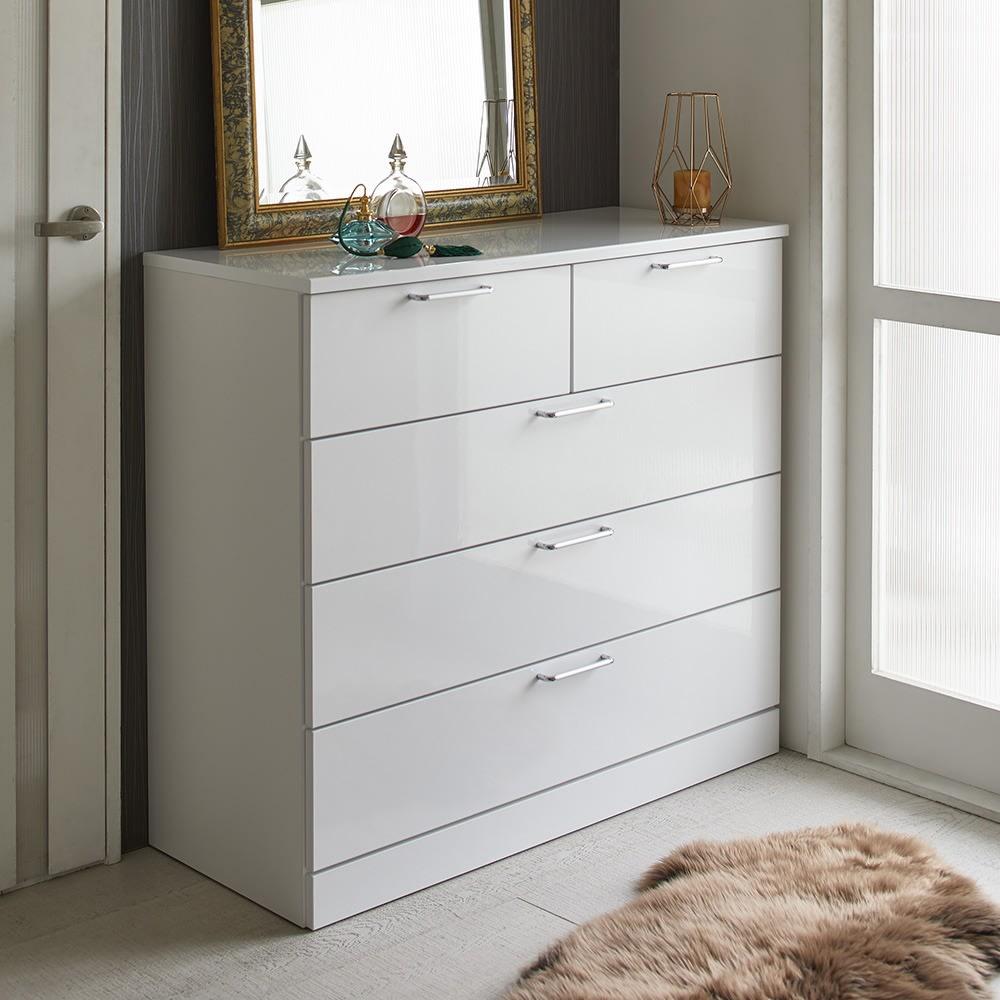 Muro/ムーロ ホワイトモダンチェスト 幅100cm 4段 10cm刻みで選べる豊富なバリエーションで、設置スペースにぴったりフィットできるちょうど良いサイズが見つかります。