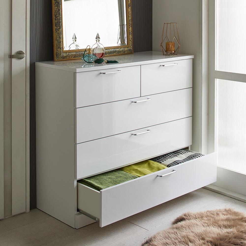 Muro/ムーロ ホワイトモダンチェスト 幅100cm 4段 空間を無駄なく活用して、どんどん増える衣類をすっきり収納。