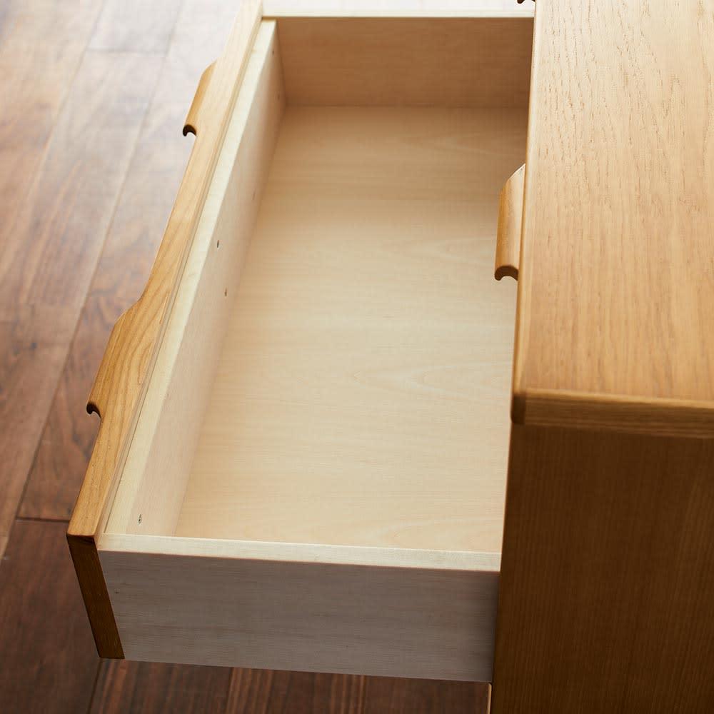 Calm/カーム 寝室コンパクトチェスト 幅70cm・5段(高さ84.5cm) 引き出しは丈夫な箱 組仕上げで、脱落防 止のストッパー付き。