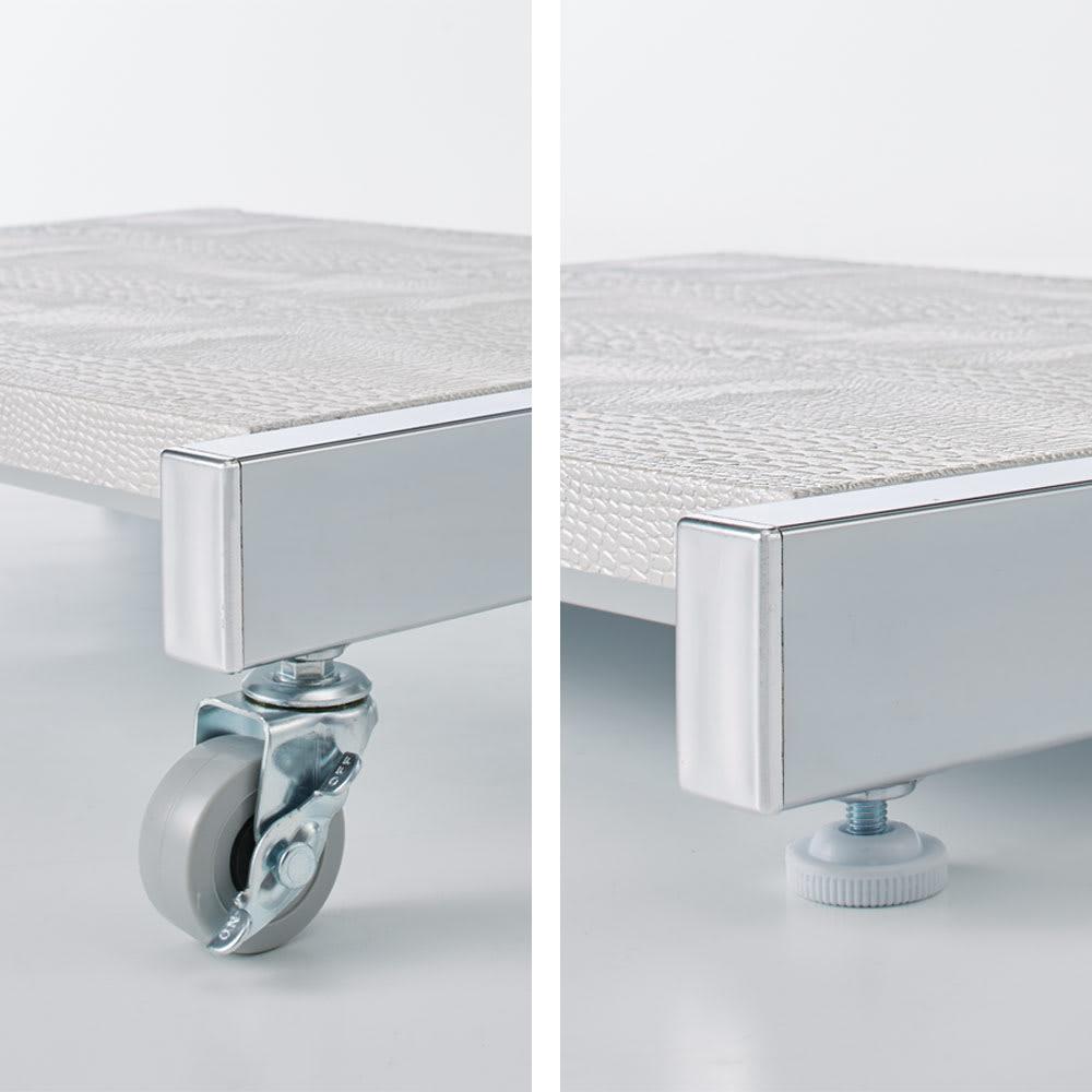 Kudelia/クーデリア 上下棚付き頑丈ハンガーラック シングル 幅60cm 脚部はキャスターとアジャスターのどちらでも使えます。