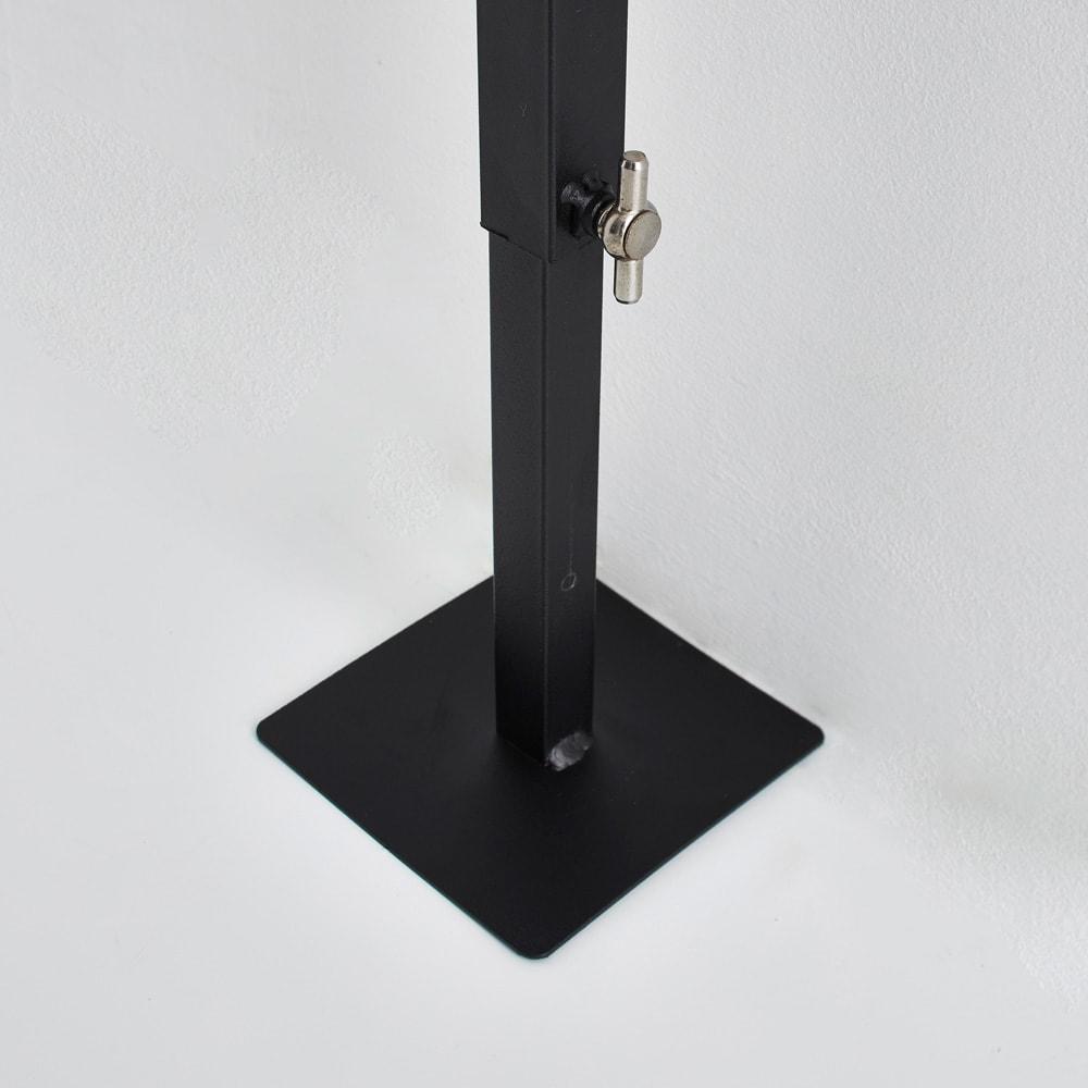 Euphy/ユフィ つっぱりハンガー スクエア つっぱり面は大きめなので、安定して設置できます。