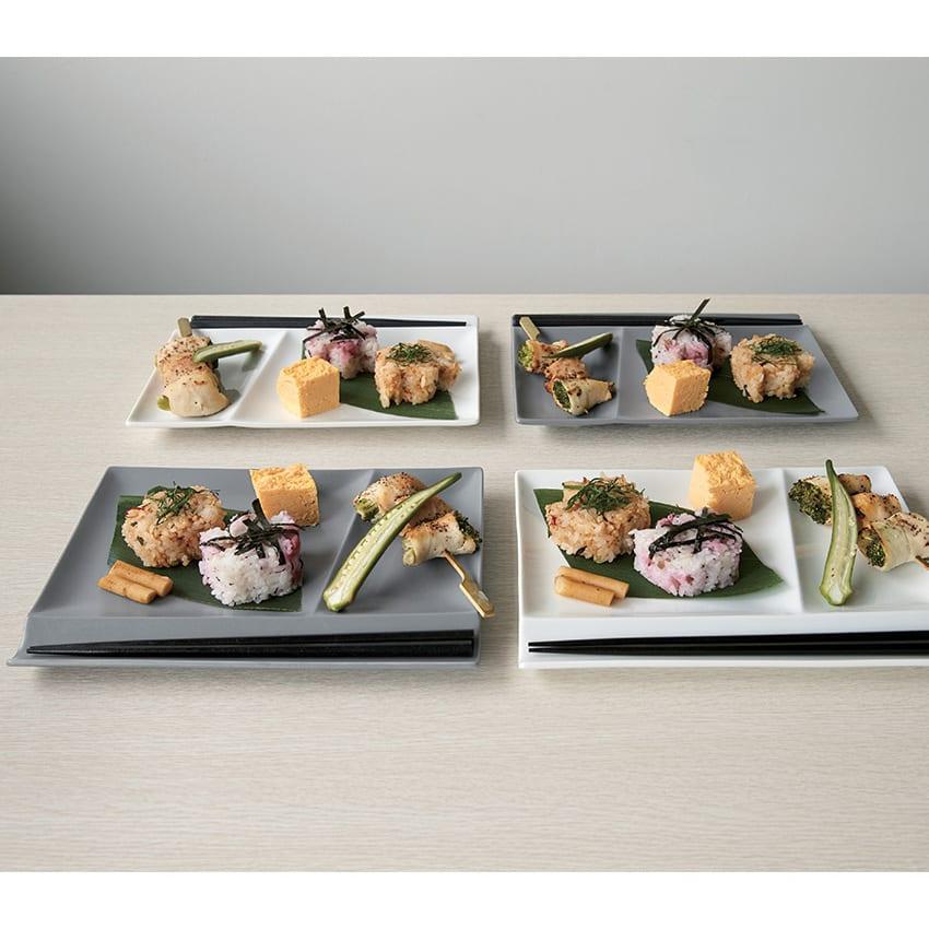 お箸が置けるパレット皿 幅24cm 4枚組 (ウ)ホワイト2枚+グレー2枚 4枚組 箸置きとお皿が一体になった、使いやすさで人気を誇るスクエアディッシュ。ニュアンスあるグレーと上品なホワイトは、和洋を問わずに使えて、ワンプレートランチや普段にも活躍。