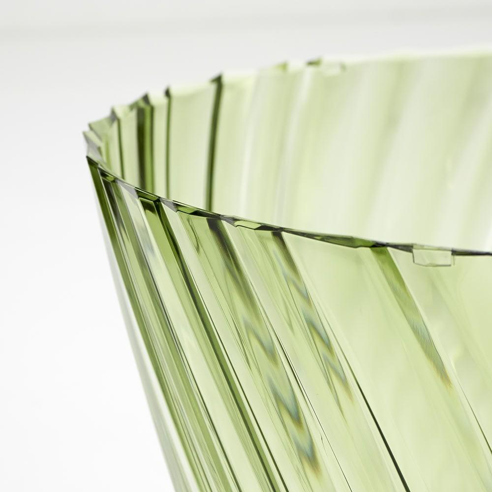 Sparkle/スパークル サイドテーブル  [Kartell/カルテル デザイン:吉岡徳仁] 表面にかすれのような細い線や、細かい凹凸状のテクスチャが現れることがありますが、(金型や素材の特性として)製造過程で発生するものです。予めご了承ください。