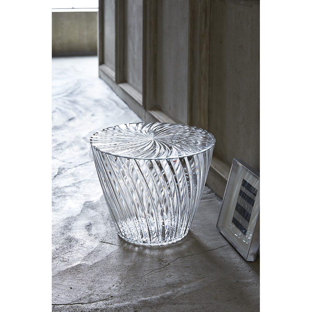 Sparkle/スパークル サイドテーブル  [Kartell/カルテル デザイン:吉岡徳仁] 廊下や玄関に、印象的なインテリアオブジェとして。