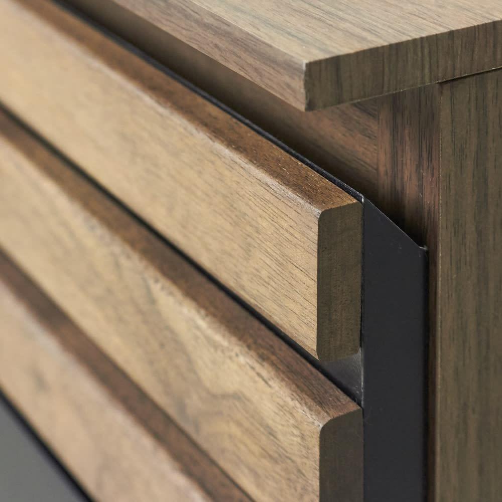 AlusStyle/アルススタイル カウンター下収納庫 チェスト 幅40cm高さ84.5cm 厚みのあるウォルナット材が重厚感を感じさせてくれます。