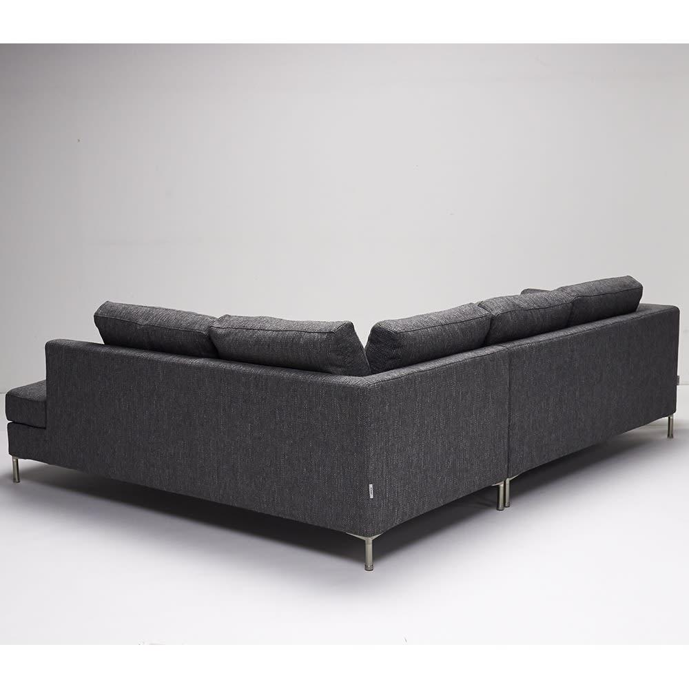 Slimleg(スリムレッグ) カバーリングソファ コーナーソファセット座って左 【背面】背面も前面と同じ生地を使用しています。リビングの中央に設置することも可能です。
