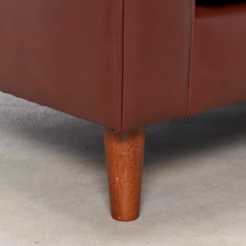 Cammello/キャメロ 革張りソファ 3人掛け 幅200cm 奥行94cm 高さ90cm 脚部アップ 木脚を使用。付属のフェルトは必要に応じてお使い下さい。
