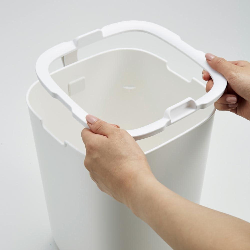 EKO/イーケーオー モランディ センサーゴミ箱 8L 内部にはゴミ袋用のストッパー付き。