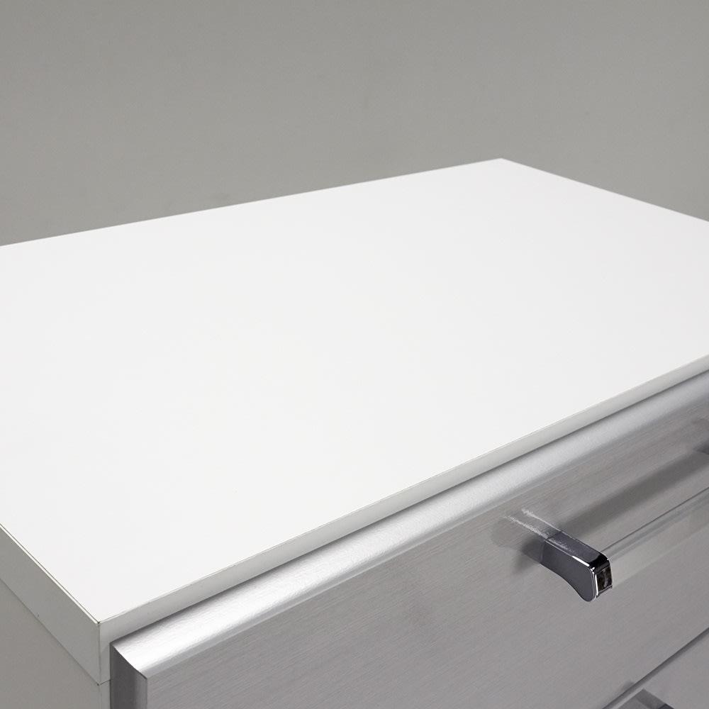 Fredo(フレド) ランドリーチェスト 幅60cm・7段(高さ156.5cm) 天板も化粧仕上げです。天板耐荷重は約10kgまでOKです。