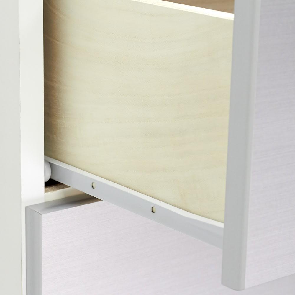 Fredo(フレド) ランドリーチェスト 幅60cm・7段(高さ156.5cm) 引き出しはストッパー付きレールで出し入れしやすい仕様です。