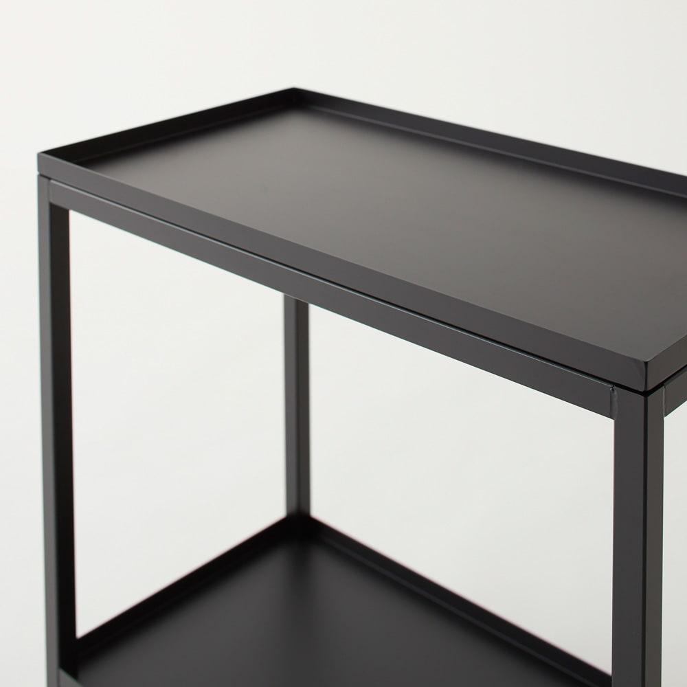 Nifa/ニファ お風呂サイドワゴン 2段 カゴ1個付き 天板まで黒で統一して塗装されていて、シックな印象です。