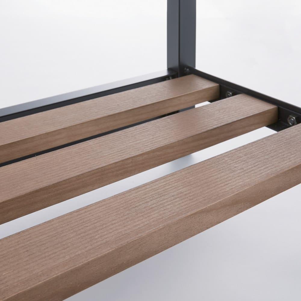ヴィンテージ調 スリム Aライン ハンガー 幅60cm 木目を活かしたオイルステイン仕上げの棚板。