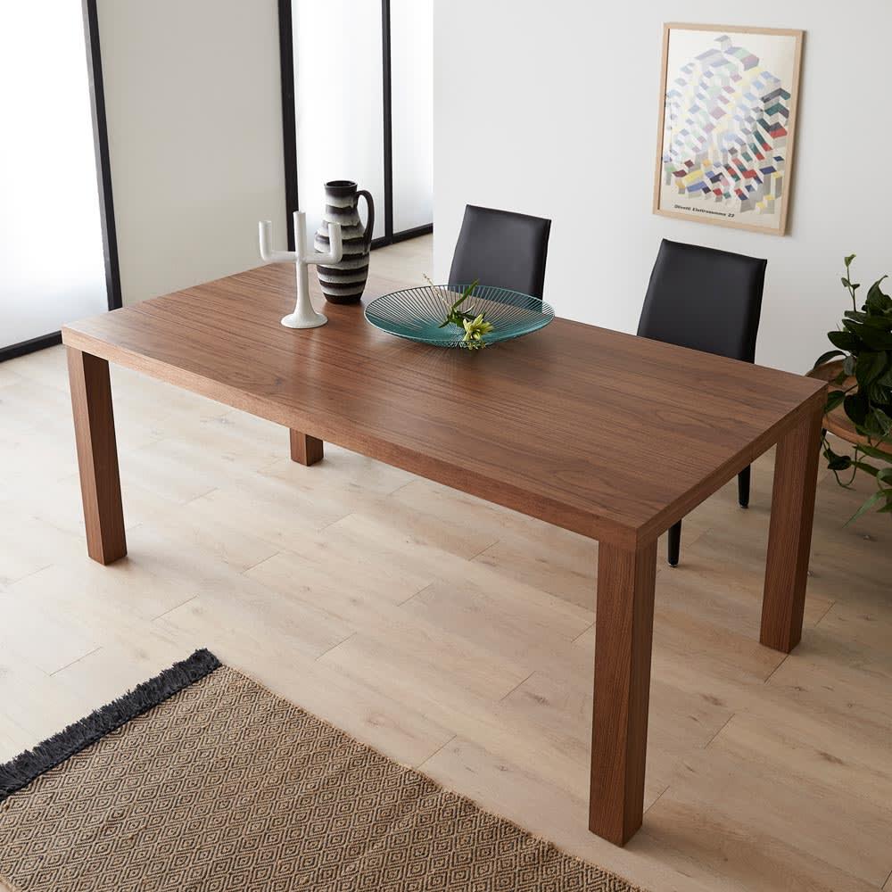 Multi マルチダイニングテーブル ウッドレッグタイプ 幅180cm コーディネート例:ウォルナット 大型のデスクとしても。写真は160cmタイプです。