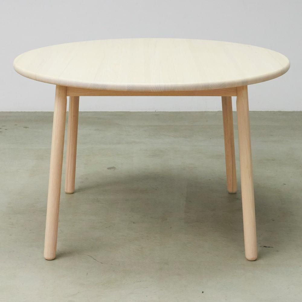 Ridge/リッジ ダイニングテーブル 天然木丸テーブル 直径110cm 脚と脚の間、一番広い下部分の幅は70cm。たっぷりスペースで広々。